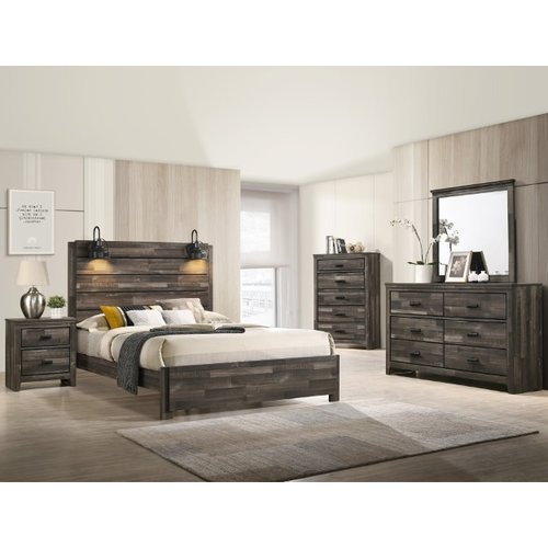 Crown Mark Carter King  Bed w/Lamps
