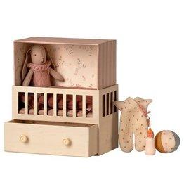 Maileg Baby Room w/Micro Bunny