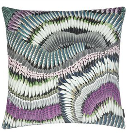 Designer's Guild Prete-moi ta plume magenta cushion