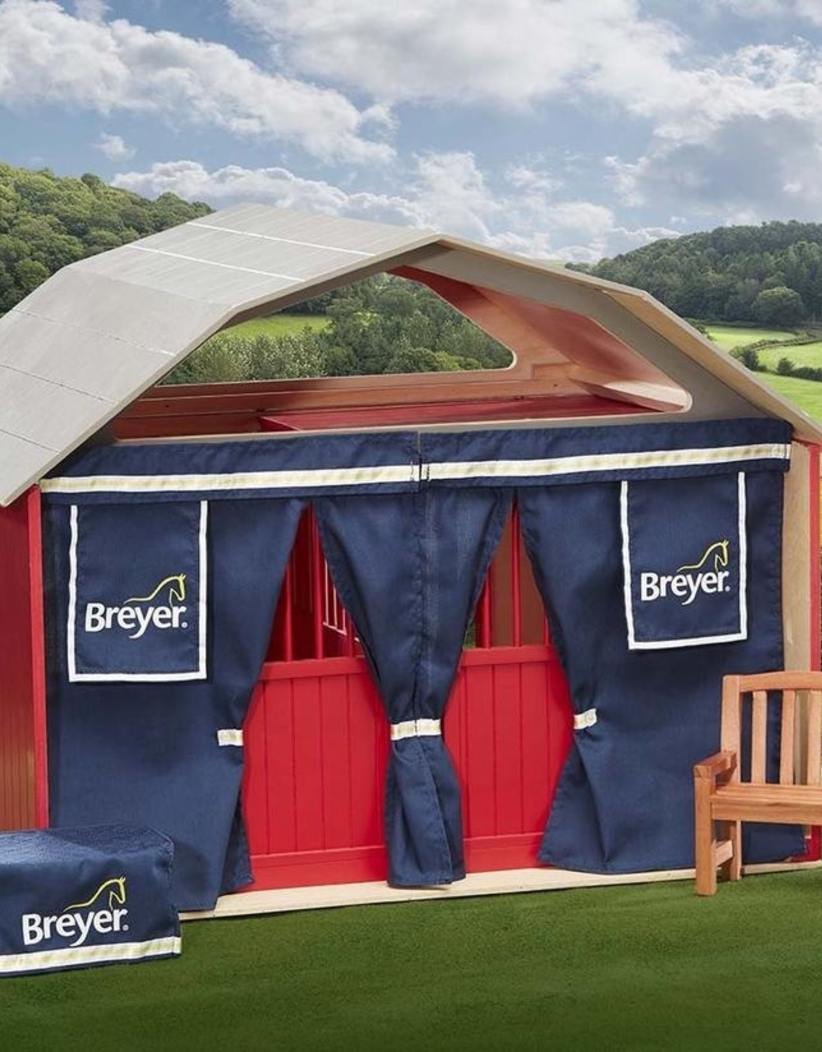 Breyer Traditional Show Stable Accessories