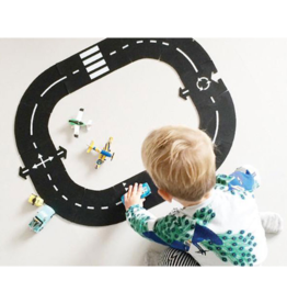 Way to play Ring Road Play Set