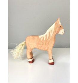 Holztiger Horse (standing, light brown)