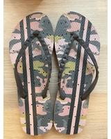 Pink Camo Flip Flops