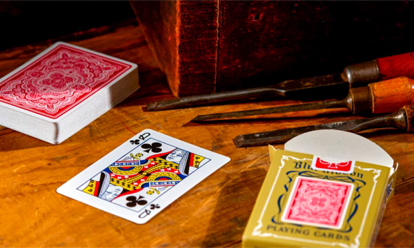 ART OF PLAY BLUE RIBBON, RED DECK