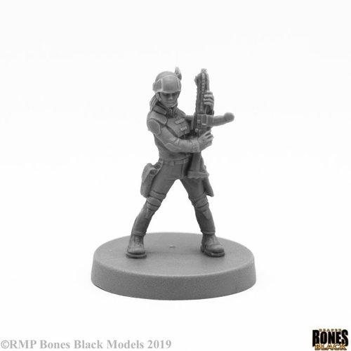 Reaper Miniatures BONES BLACK: TESS ADVENTURING HEROINE