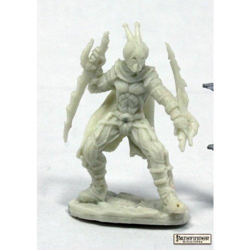 Reaper Miniatures BONES: PATHFINDER: RED MANTIS ASSASSIN