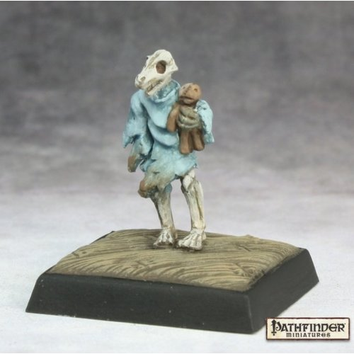 Reaper Miniatures PATHFINDER: ATTIC WHISPERER (2)