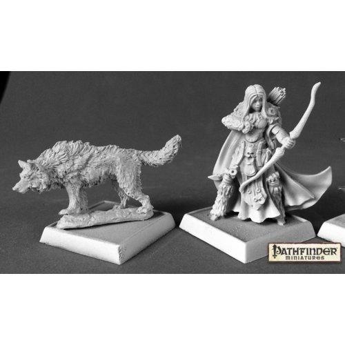Reaper Miniatures PATHFINDER: ADOWYN & LERYN - ICONIC HUNTER & WOLF