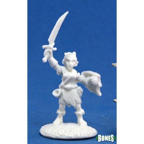 Reaper Miniatures BONES: ELLIWYN HEATHERLARK, GNOME BARD