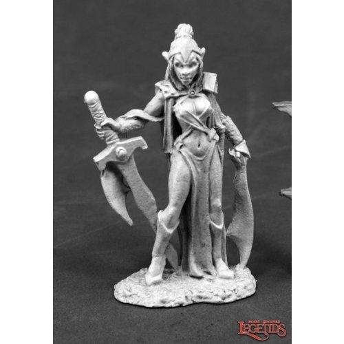 Reaper Miniatures DMONA FEMALE VAMPIRE WARRIOR