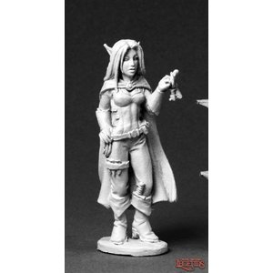 Reaper Miniatures DARK HEAVEN LEGENDS: VALLOA, FEMALE ELF THIEF