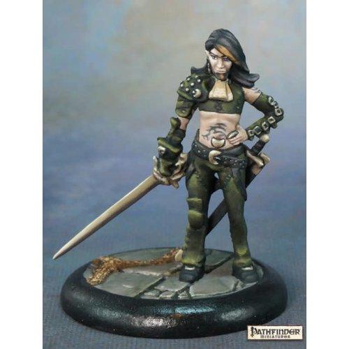 Reaper Miniatures PATHFINDER: NIDALESE ROGUE