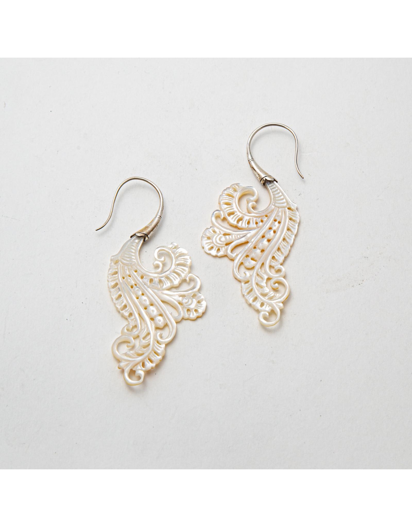 """Maya Jewelry Maya silver & shell """"Bonita"""" traditional earring"""