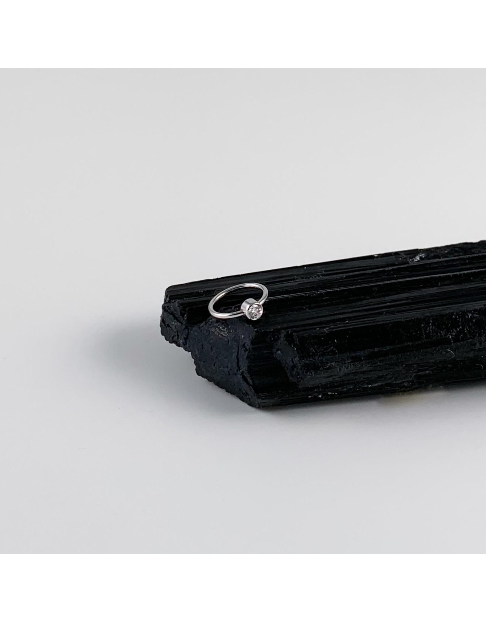 BVLA BVLA 16g 2.5 CZ Fixed Bezel Ring. Navel Orientation.