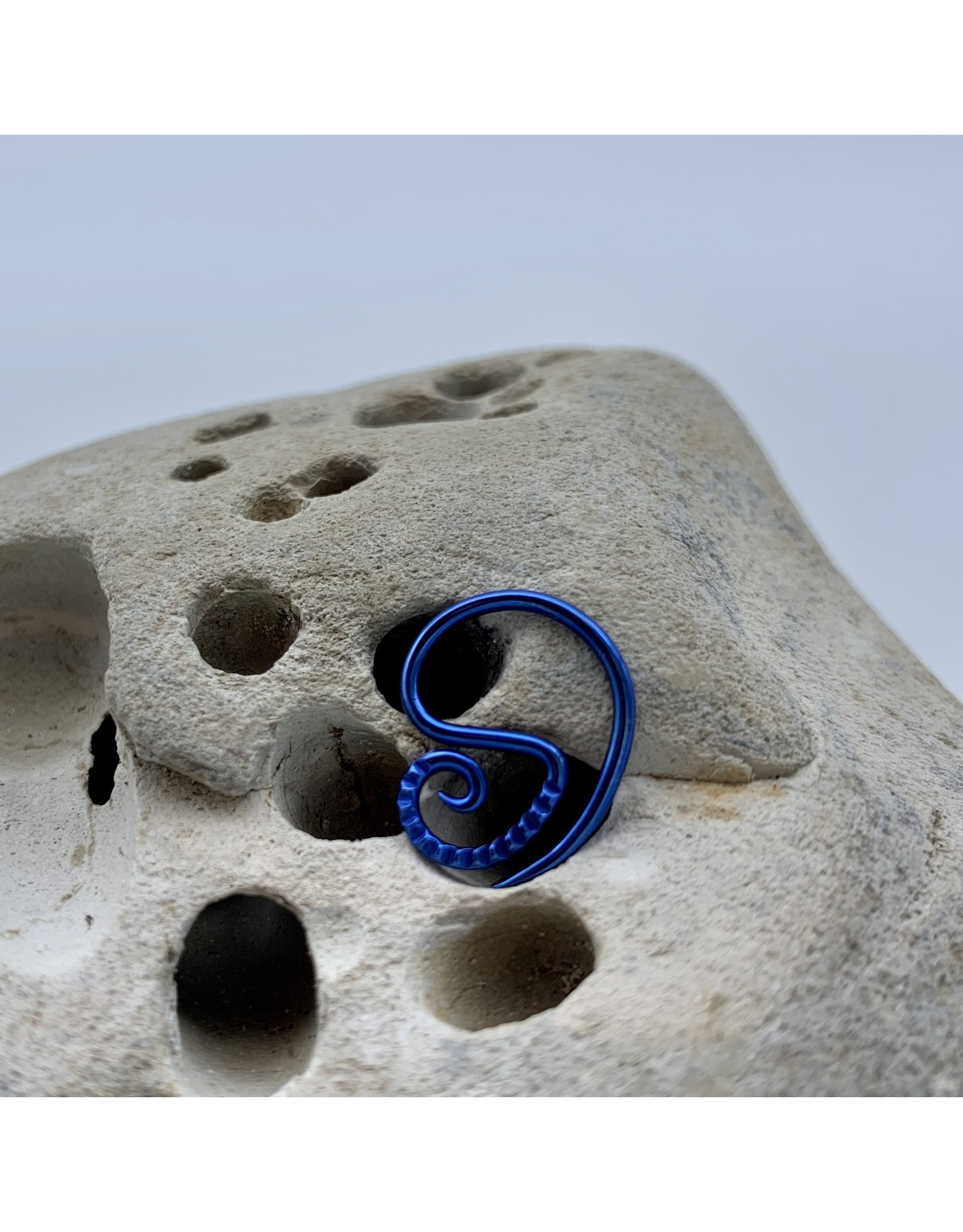 "Interstellar Jewelry Productions Interstellar Jewelry 16g 7/16 carved ""Procyon"" Daith Seam Ring"