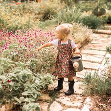 Milkbarn Tablier lin et coton organique - rose-floral - 4-6Y