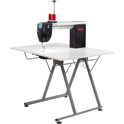 BERNINA Q 20 Longarm Quilting Machine with Table