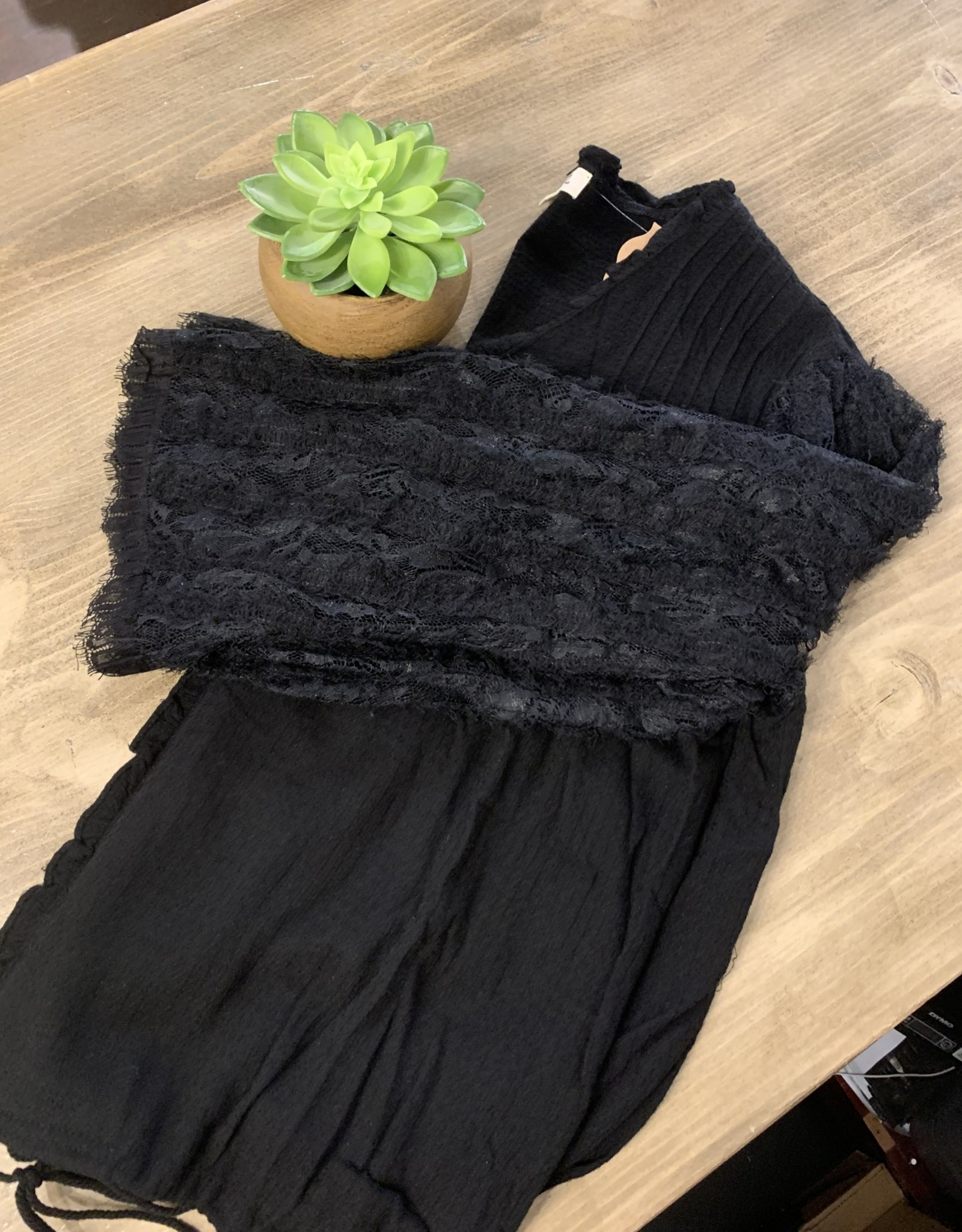 Black Lace Sleeve