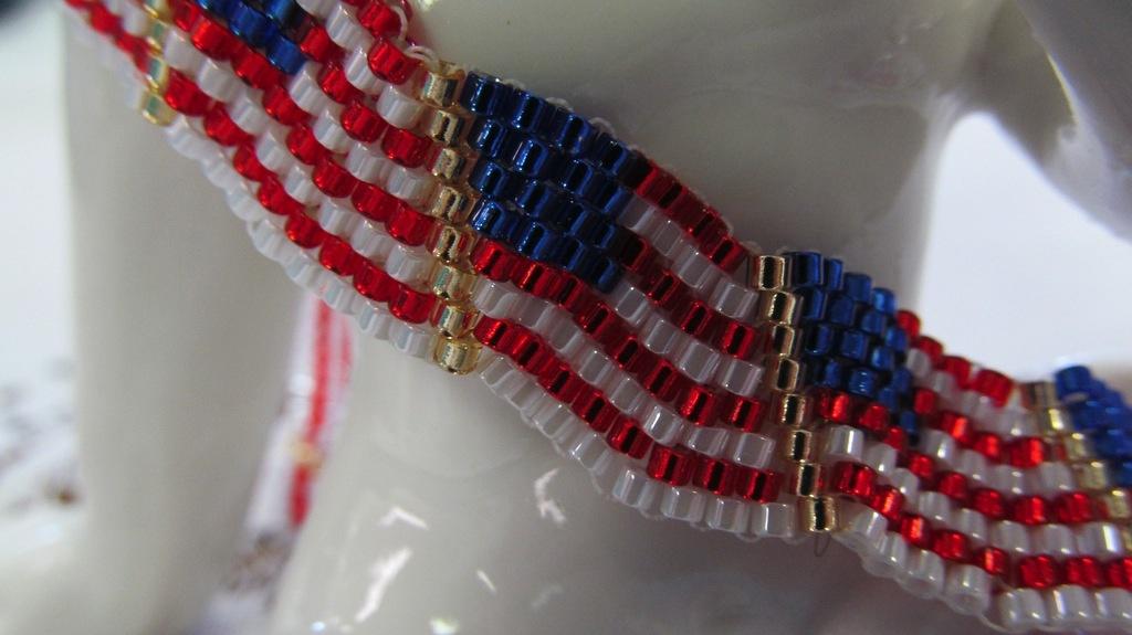 Classes 06/03 1-4pm - Wavy Flag Bracelet Instruction