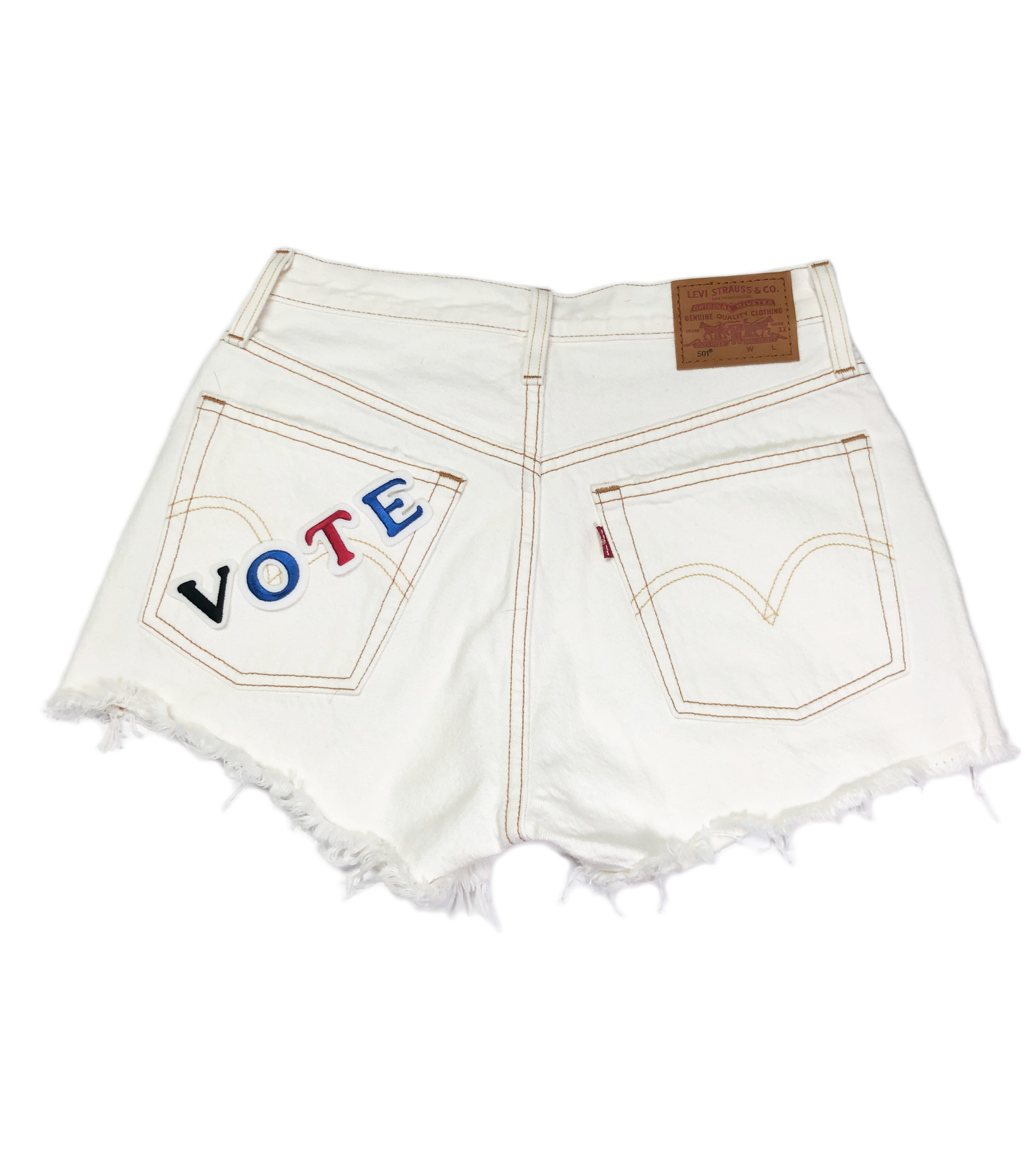 LEVI'S VOTE 501 SHORTS 56327-0019 PEARLY WHITE-1