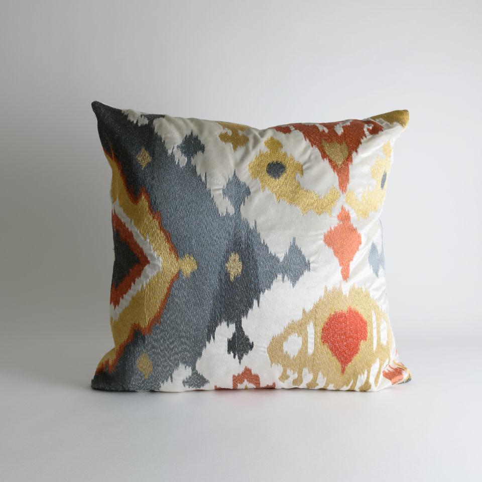Aranga Pillow