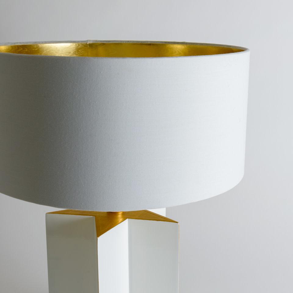 White Star Gloss Table Lamp
