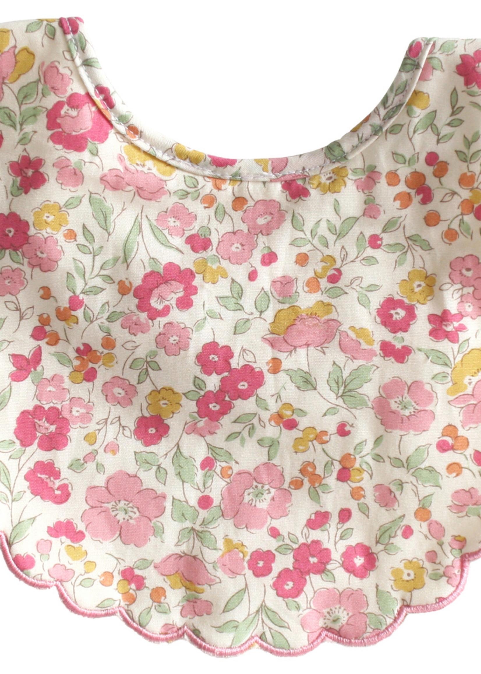 alimrose Scallop Bib in Rose Garden