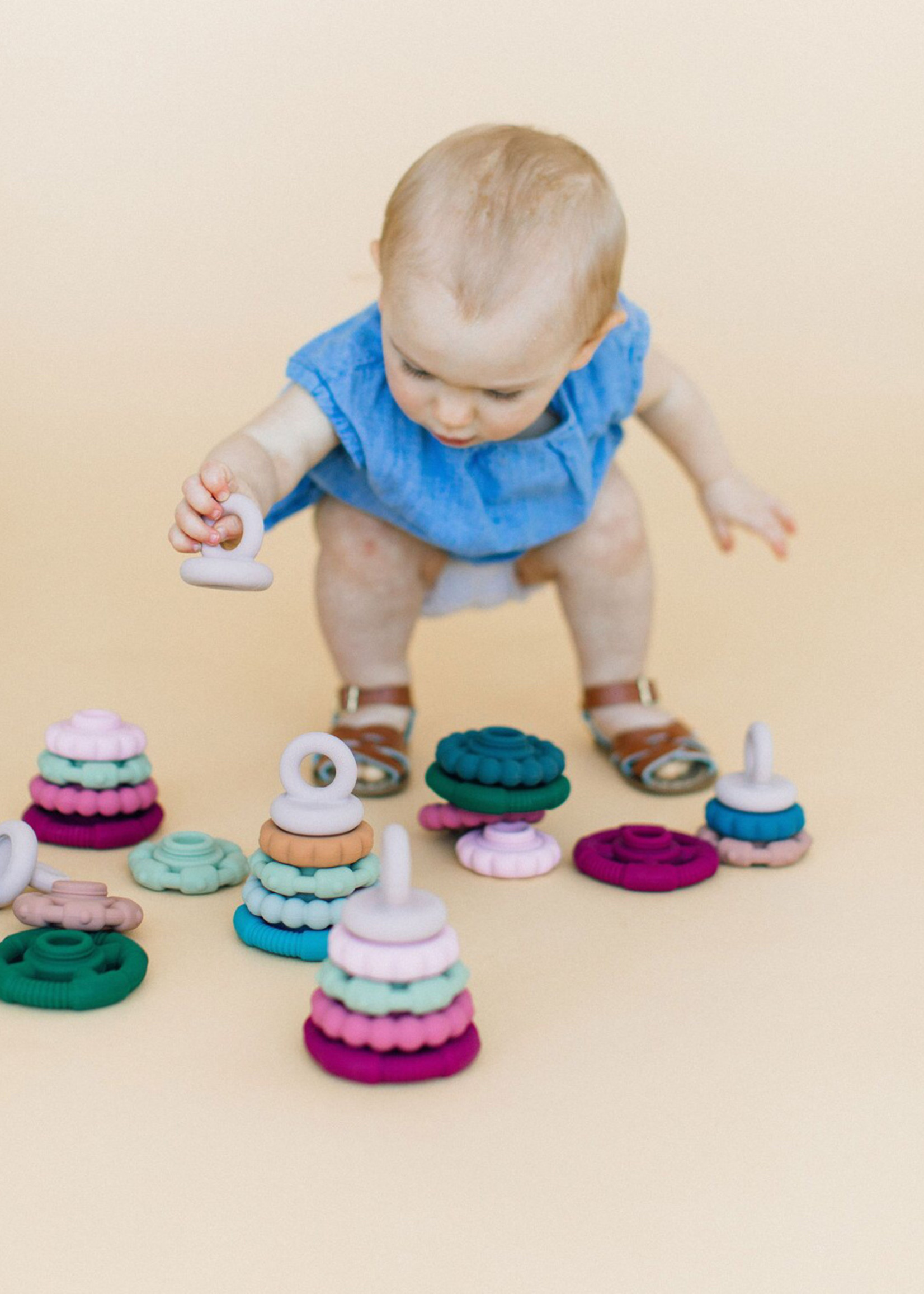 chewable charm Sydney Teether Stacker
