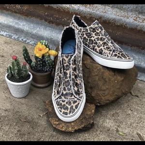 Blowfish Malibu Sneakers - Natural City Kitty Canvas