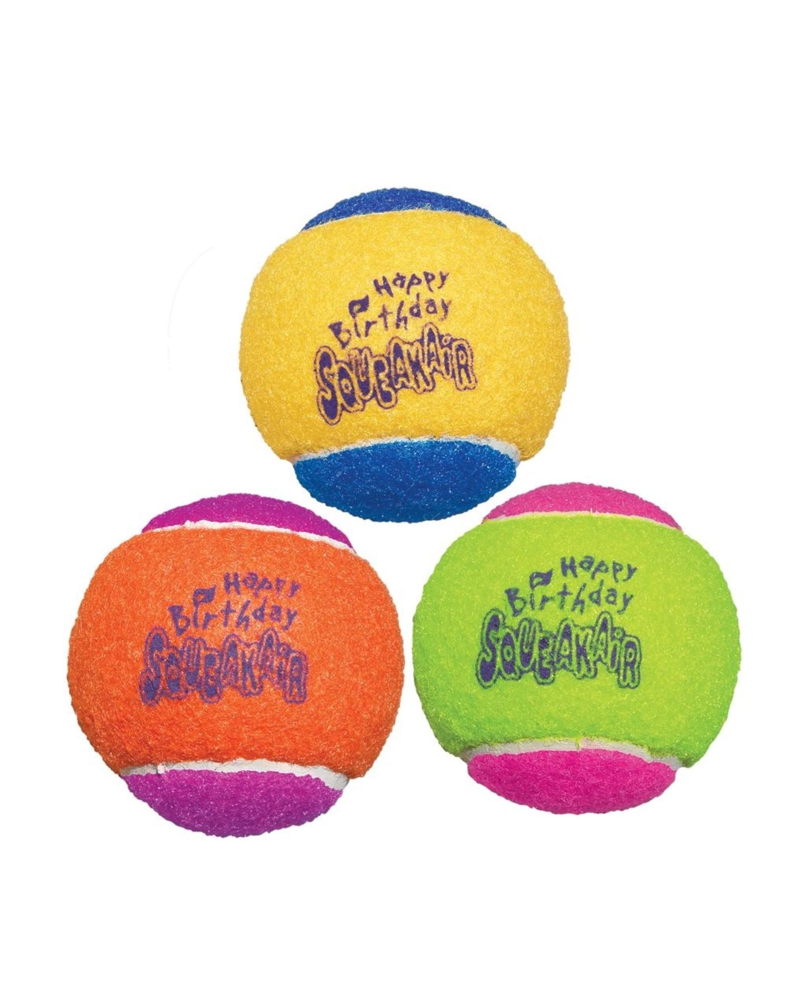 Kong Kong Squeakair Birthday Balls Medium 3pk
