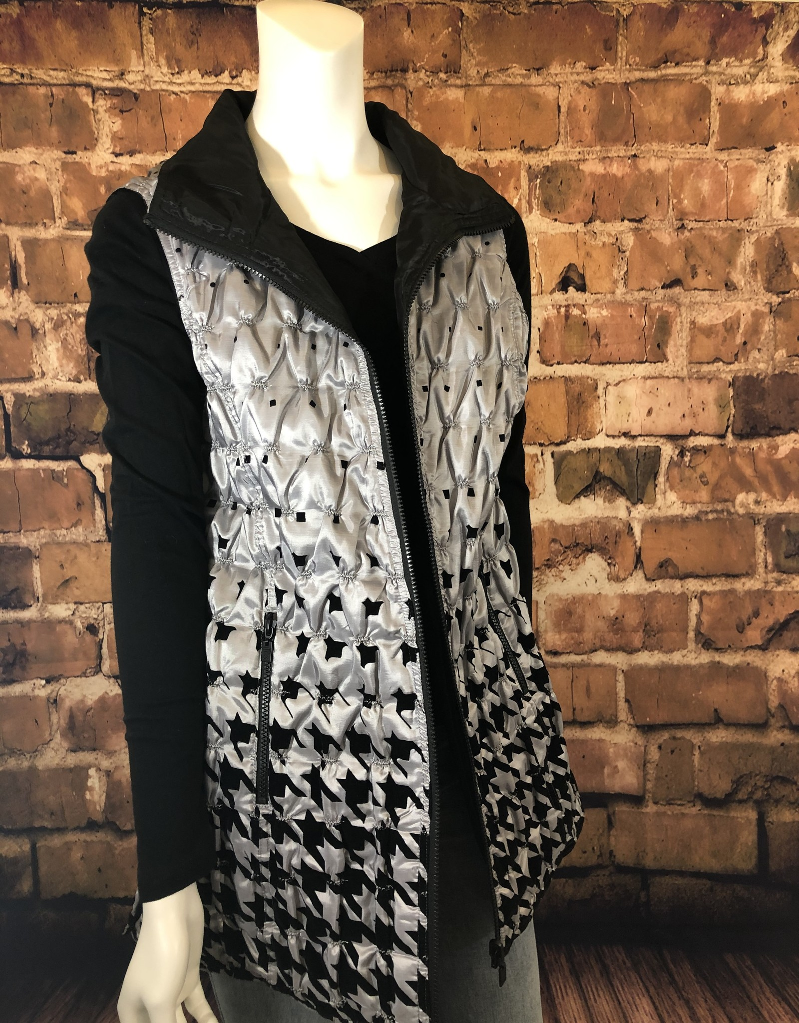 Ciao Bella Houndsdot Quilted Zip Front Vest