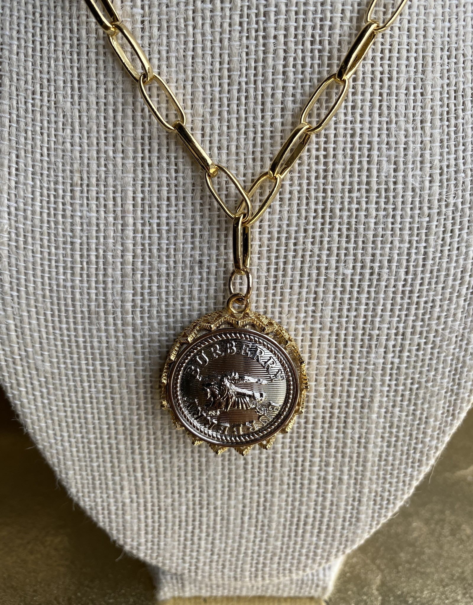 "18"" Burberry Button Necklace Silver/Gold"