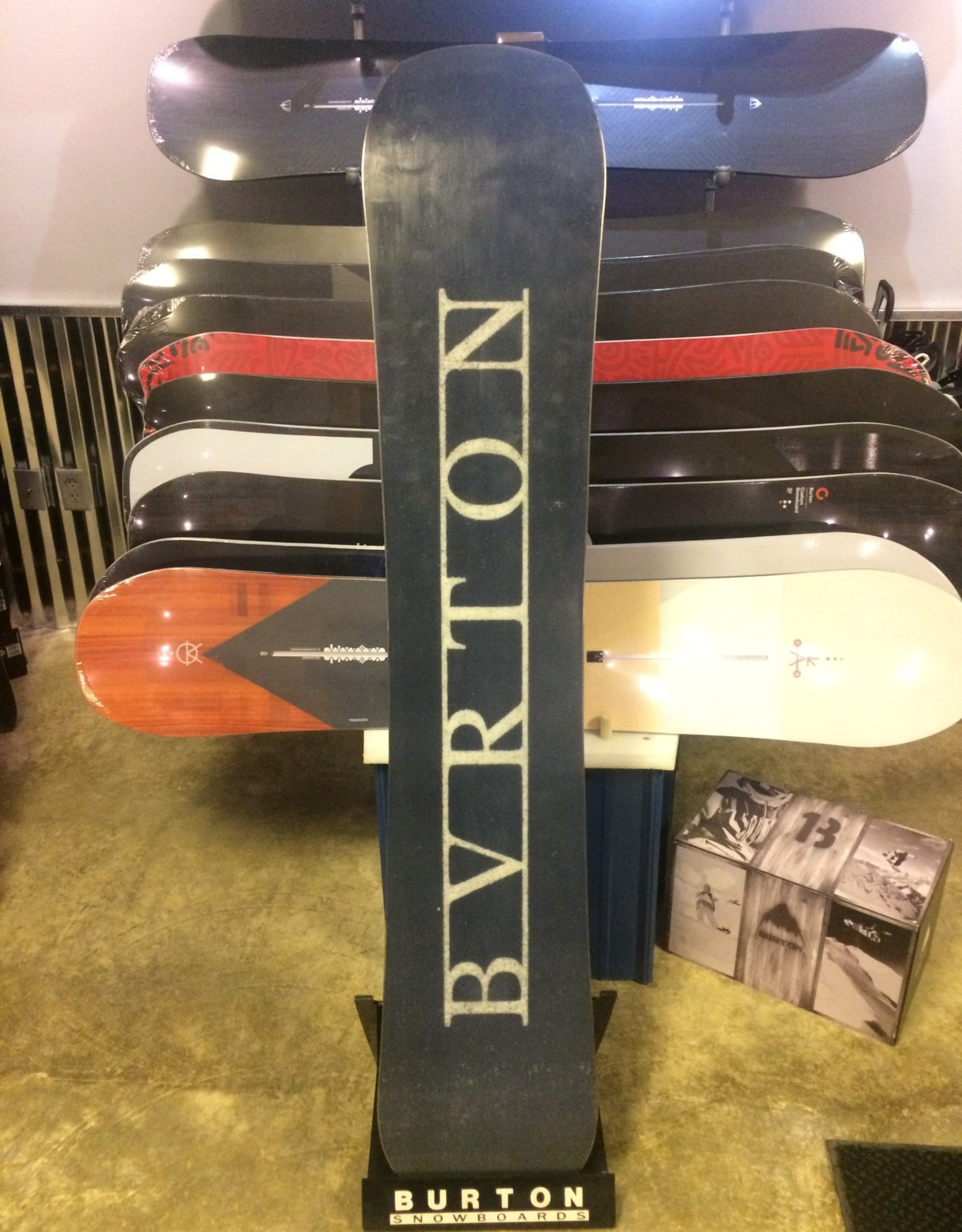 Burton 2017 Burton Name Dropper 158cm (used) Great Condition
