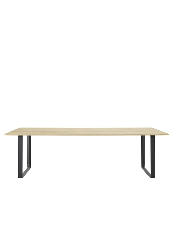 70/70 TABLE / 255 CM - 100.5""