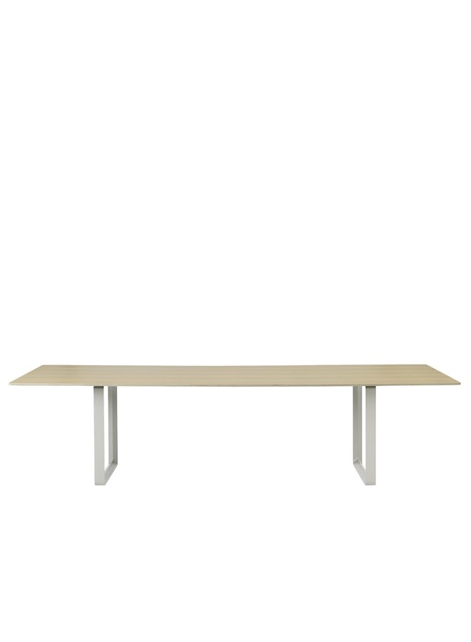 70/70 TABLE / 295 CM - 116""