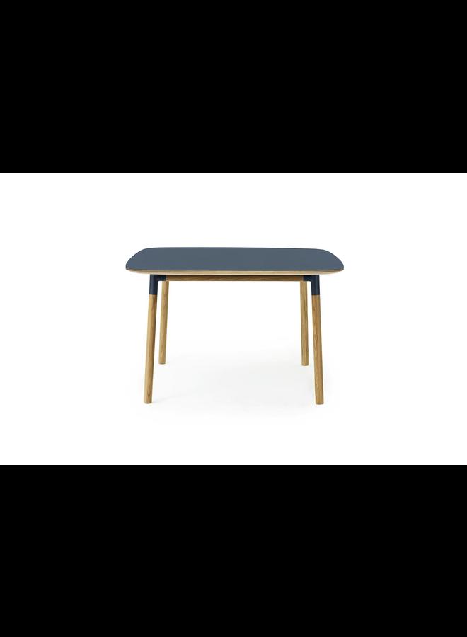 Form Table 120 x 120 cm