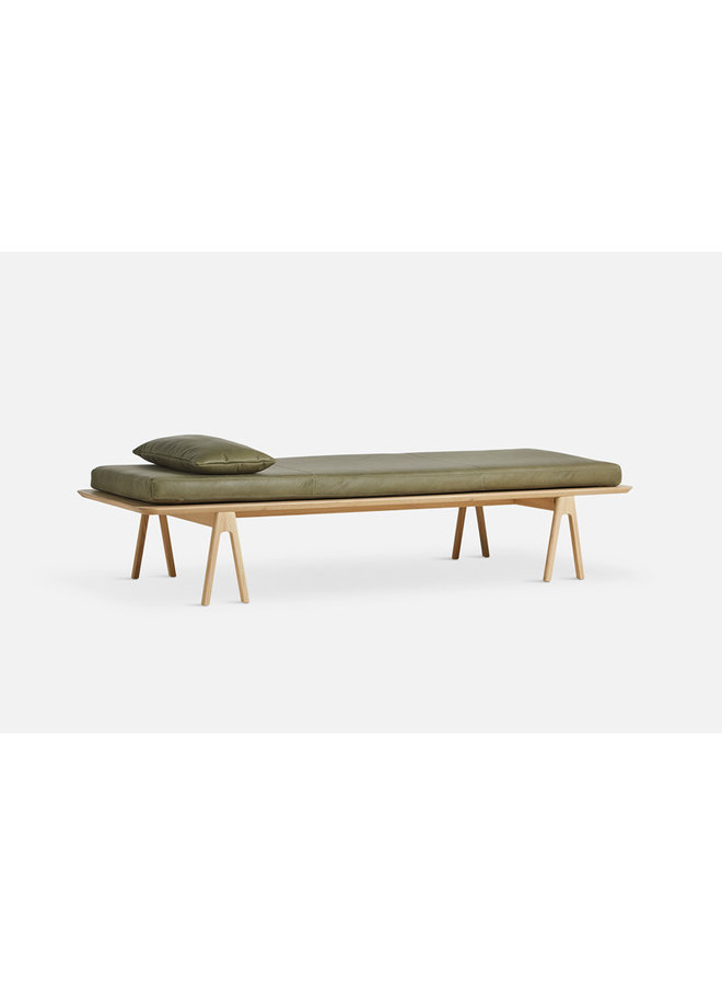 Level Daybed Oak