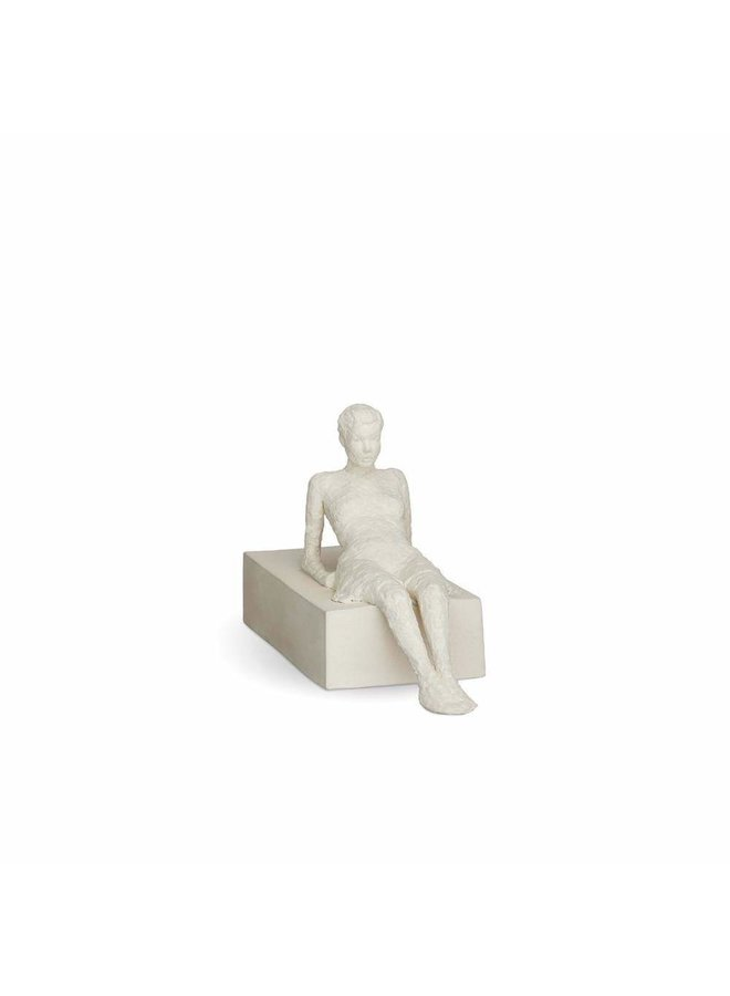 Character The Attentive One H13 unglazed (18103)
