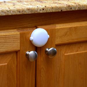 Qdos Adhesive Double Door Lock White 1 pk.