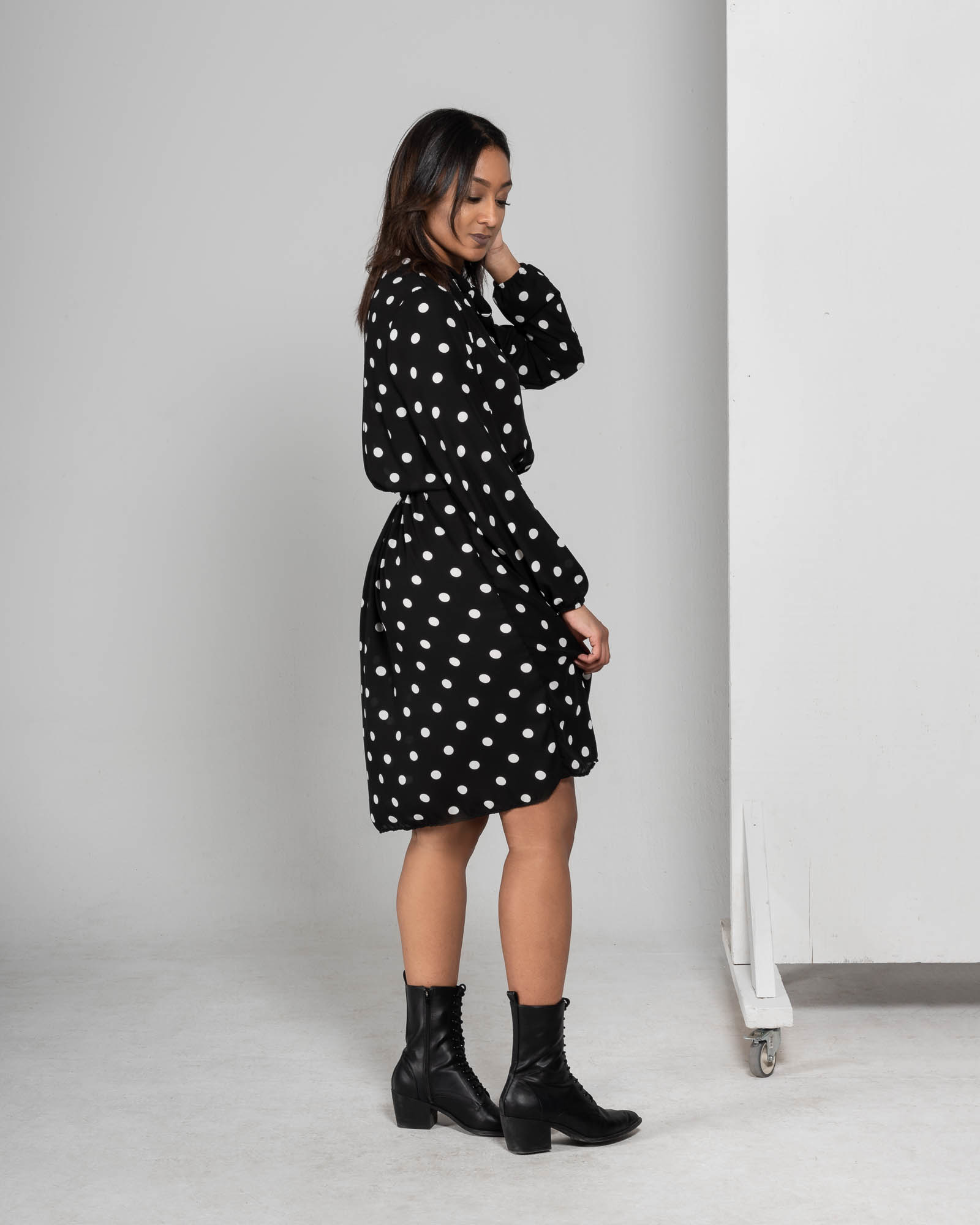 Anisa- Dress with polka dots-3