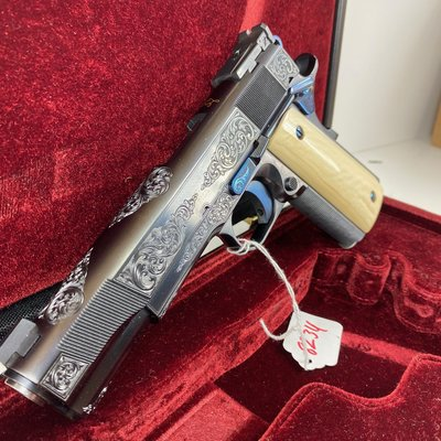 Les Baer custom limited Edition (Blue) 45