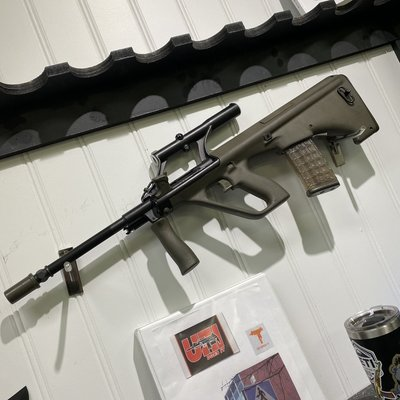 (Consignment) PRE BAN 901 SERIES STEYR AUG A1 W/ 10 Waffle Magazines