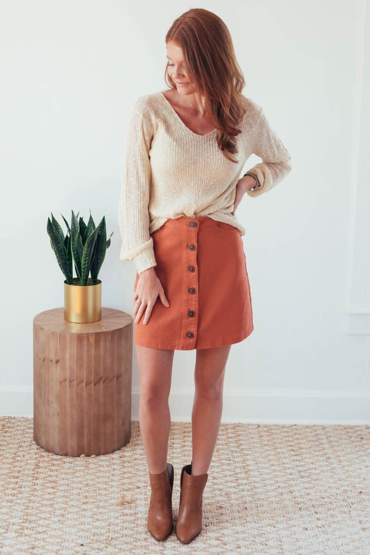 Fall Twist Oatmeal V-Neck Sweater-2