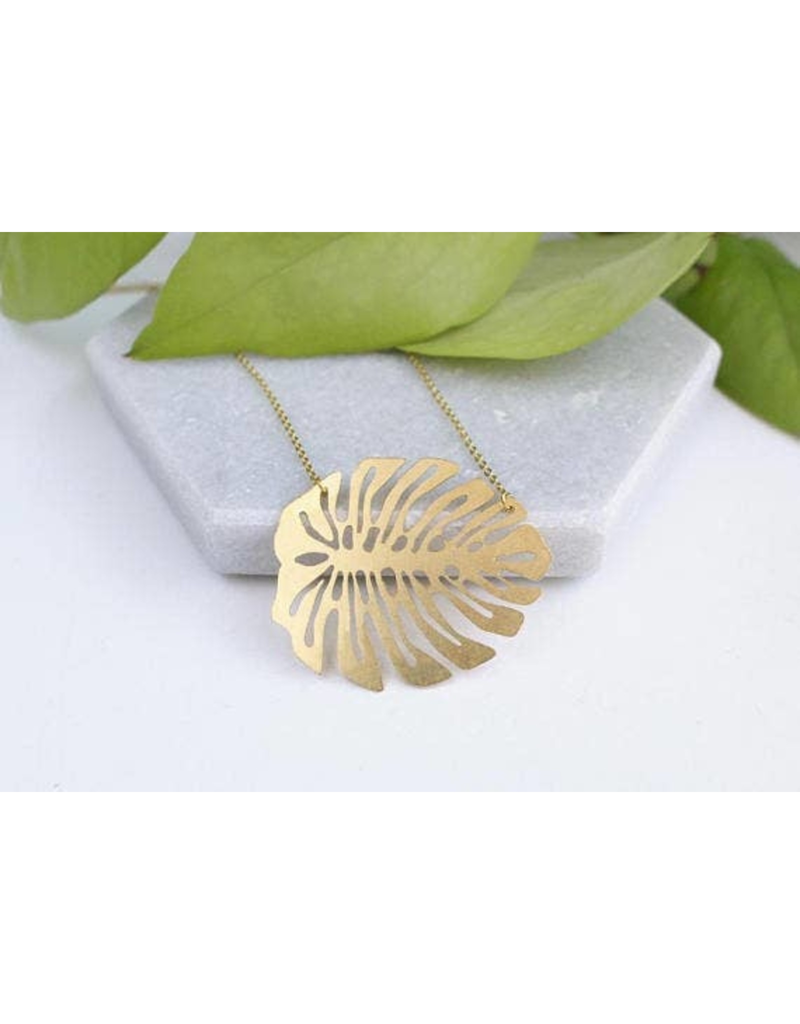 TLJ  Monstera Deliciosa Leaf Necklace - Gold