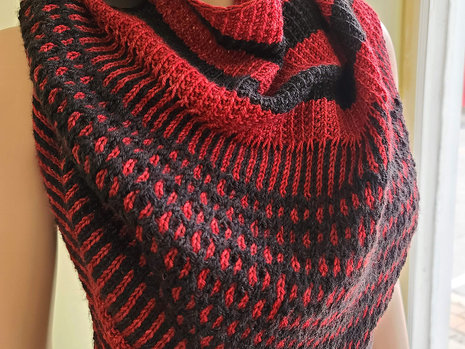 Shop Sample: Artefact Shawl - Completed!