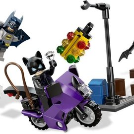 Lego Lego Superheroes 6858 Catwoman Catcycle City Chase