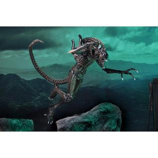 """NECA Alien: Alien Warrior (Brown) 1986 Ultimate 7"""" Figure"""