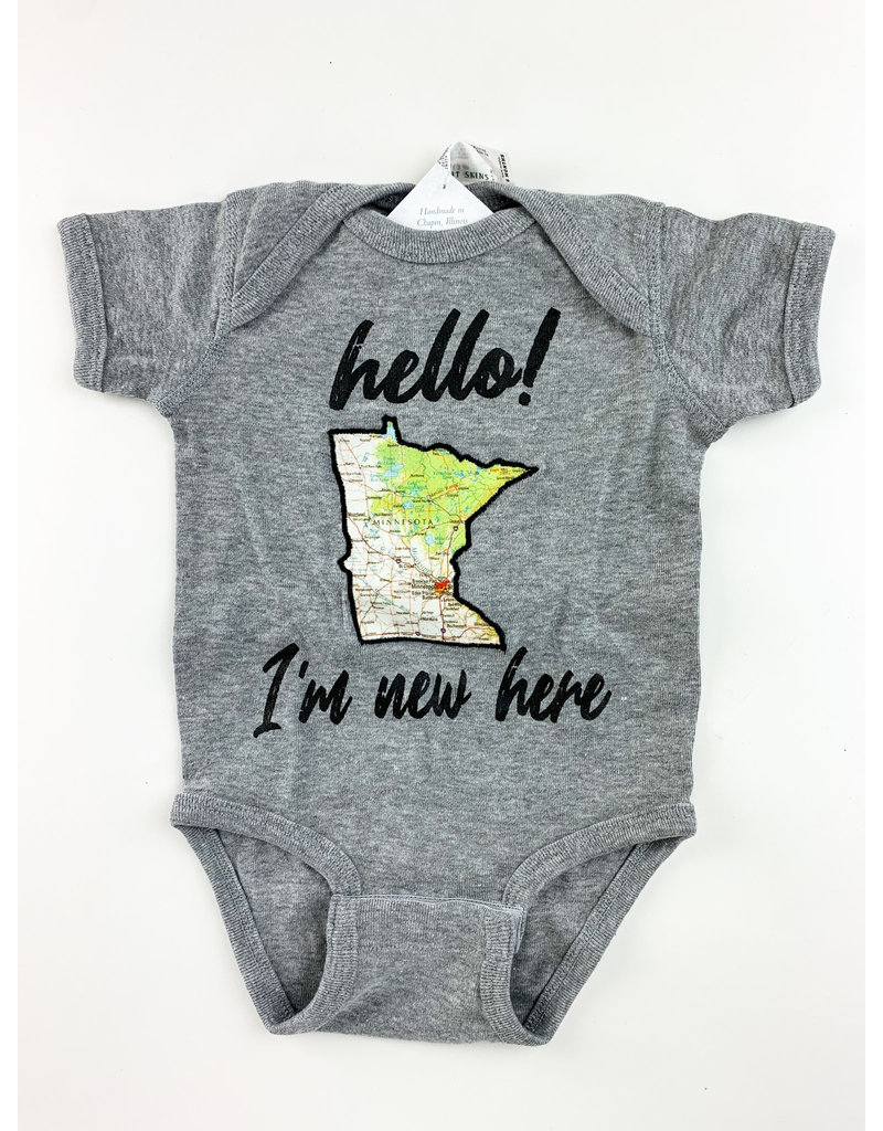 Taylor&Coultas American I'm New Here onesie 6-12 month