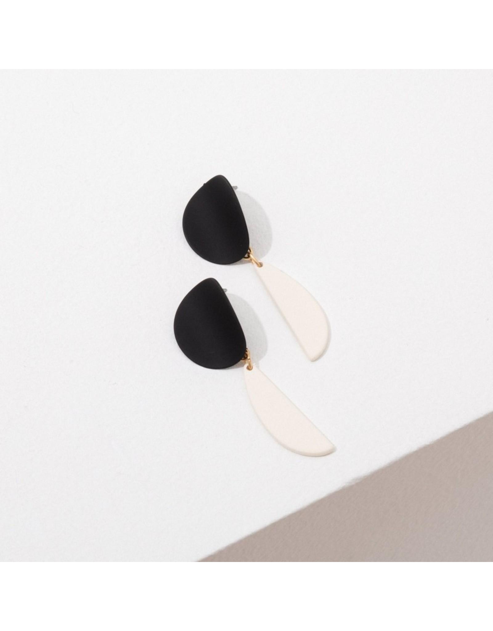 Larissa Loden Yayoi earrings-Black