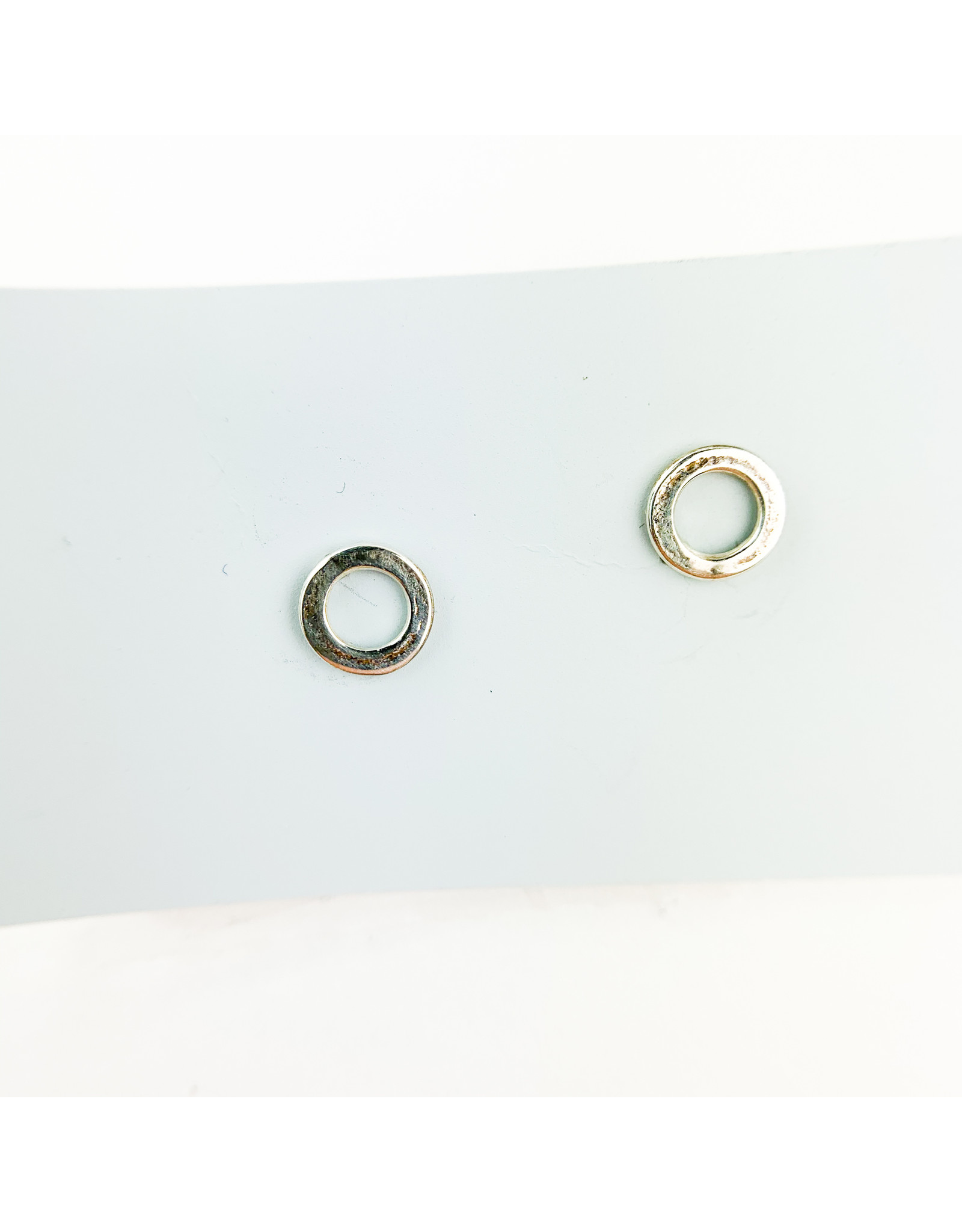 Camille Hempel Jewelry-Consignment Circle stud earrings-sm.-consignment-che03